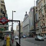 Metro próximo ao hotel