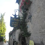 situato nel borgo medioevale di casertavecchia veramente caratteristico