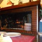 il nostro tavolo vicino al camino