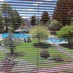 Vista da sala de estar do hotel