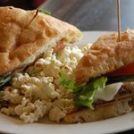 Chicken sandwich w/rosemary popcorn side