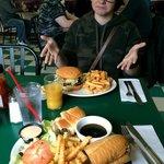 Huge meals. Very tasty hamburgers and beef dip.