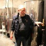 Хозяин винодельни рассказывает о том, как производит уникальное вино Винсанто