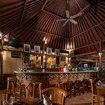 Bunut Cafe & Bar