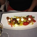 Tomato salad, gusts cheese
