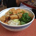 Fried eggroll vermicelli salad (bun)