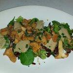 Salade tiede de girolles.copeaux de foie gras.