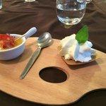 Petite mise en bouche (Melon-Chorizo-crême au fromage…)