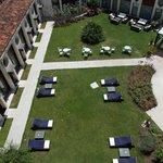 relax 'nel chiostro giardino interno'dell'Hotel BW S.Elena