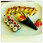Dinner Special Combo B -A Bad Boy Roll (Fried Roll with Tempura inside, with Teriyaki Sauce) 4 p