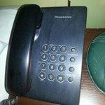 Der helle Ton auf dem Telefon ist Staub/Dreck