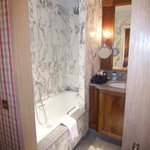 Room #301 - bathroom w/towel warmer