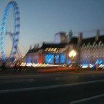 London eye (walk on the river promenade)