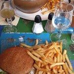 Hamburger della casa - Cozze e patatine