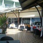 Hotel Val d'Anfa, terraza restaurante sobre la piscina