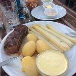 Carne e asparagi