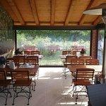 Der Frühstücksbereich im Wintergarten / Terrasse
