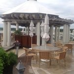 Outdoor bar and grille
