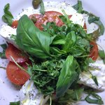 L'exceptionnelle Burrata,Tomate et Basilic Frais