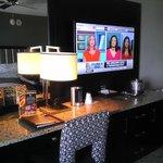 Big TV & desk area