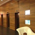 1Fエレベータホール
