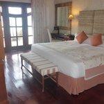 villa master bedroom (2nd room)