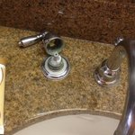 sink handle fslling off