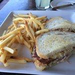 crab cake sandwich w/ fries
