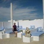 Пляж Blue Buddha очень красивый и ухоженный