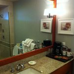 Bathroom with nice amenities and coffee machine