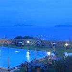 Il panorama di sera e la piscina