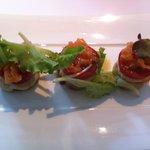 Gourmandise de tomates cerises et petits gris de Namur « Beurre aux herbettes, noix et ail doux