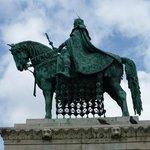 Impressive Statue of a Hero