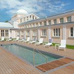 Swimming pool in Hedon SPA & HOTEL courtyard