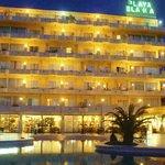 Playa Blanca, hotel at night