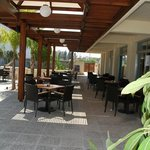 Caravel Hotel Restaurant Outdoors