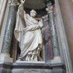 Estatua de Apóstol