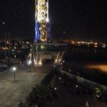 Vue de nuit de la terrasse côté pont