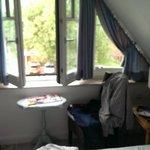 Zimmer zur Strassenseite