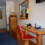 Queen Room with Desk