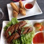Samoussa poulet. Chicken roll Saucisse thaï. Thai sausage