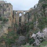 Мост El Tajo Ронда Андалусия