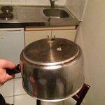Résidu de nourriture sur la vaisselle mise à disposition