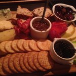 Ok, im no pro photographer, but any cheese plate that has me pulling out my camera... wow!