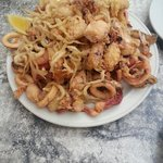 Fritura. Montaña de pescado frito. 13euros