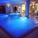 Great pool with Jacuzzi