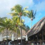 le restaurant de la plage, superbe vue dès le matin mangé avec les oiseaux et devant l'océan