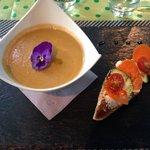 Gaspacho et tartine carottes courgettes