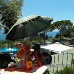 terrazzino con ombrellone