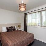 One Bedroom Unit - Queen Bed in the Bedroom